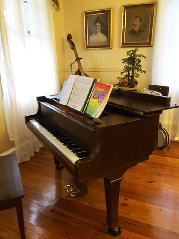 CressyHouse_piano_IMG_0345